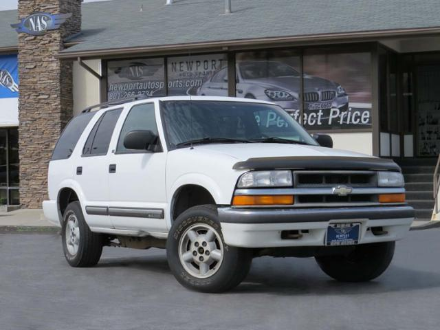 Pre-Owned 2000 Chevrolet Blazer LS