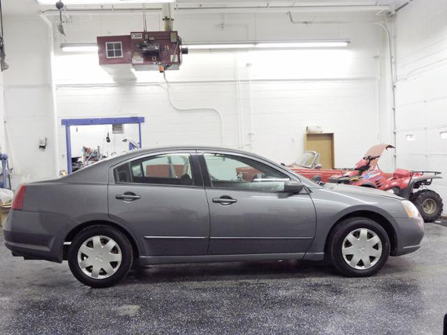 Pre-Owned 2004 Mitsubishi Galant ES