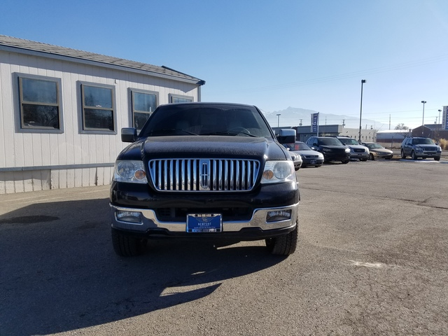 Pre-Owned 2006 Lincoln Mark LT